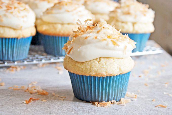 Đam Mê Ẩm Thực Coconut-Cupcakes-7