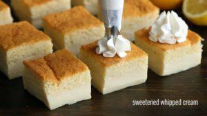 Đam Mê Ẩm Thực Chia-bánh-thành-những-miếng-nhỏ-và-trang-trí-kem-Whipping-không-bắt-buộc2-300x169