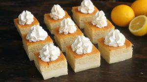 Đam Mê Ẩm Thực Chia-bánh-thành-những-miếng-nhỏ-và-trang-trí-kem-Whipping-không-bắt-buộc3-300x169
