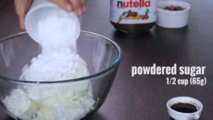 Đam Mê Ẩm Thực Cho-kem-Cheese-đường-bột-chiết-suất-vani-vào-bát-và-đánh-bông2-300x169