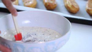 Đam Mê Ẩm Thực Cho-kem-Whipping-nóng-vào-chocolate-đã-nghiền-và-trộn-đều2-300x169