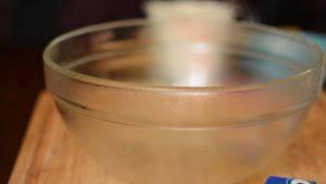 Đam Mê Ẩm Thực Làm-lạnh-bát-trộn-trong-ngăn-đá-khoảng-15-20-300x169