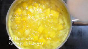 Đam Mê Ẩm Thực Sau-10-phút-nồi-sôi-ta-bắt-đầu-cho-thêm-đường-vào-nồi-và-để-trong-khoảng-5-7-phút-khuấy-đều-đến-khi-đường-tan.-1.1-1-300x169