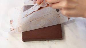 Đam Mê Ẩm Thực Sau-khi-đã-đông-lấy-Chocolate-ra-khỏi-khuôn5-300x169