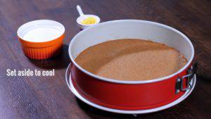 Đam Mê Ẩm Thực Sau-khi-nướng-xong-lấy-bánh-ra-để-nguội-trên-rây-300x169