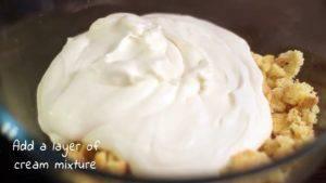 Đam Mê Ẩm Thực Thêm-hỗn-kem-whipping-đã-đánh-bông-và-trộn-đều2-300x169