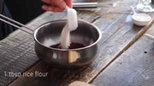Đam Mê Ẩm Thực muối-vào-nồi-rồi-dùng-phới-khuấy-đều.-3-300x169