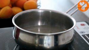 Đam Mê Ẩm Thực Cho-đường-và-nước-lọc-vào-nồi.-Đun-cho-đến-khi-sôi-và-tiếp-tục-để-sôi-trong-5-phút3-300x169