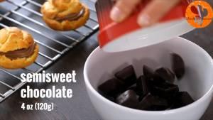 Đam Mê Ẩm Thực Cho-Chocolate-vào-bát-2