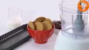 Đam Mê Ẩm Thực Cho-bánh-quy-vào-máy-xay-nhuyễn-300x169