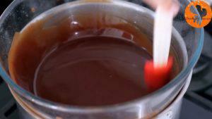 Đam Mê Ẩm Thực Cho-bơ-lạt-Chocolate-vào-bát.-Đun-cách-thủy-và-khuấy-đều-tay-cho-đến-khi-tan6-300x169