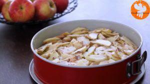 Đam Mê Ẩm Thực Cho-bơ-vào-bát-đường-và-đánh-đều-Thêm-lòng-đỏ-trứng-lần-lượt-Sour-cream-chiết-suất-vani-vỏ-chanh-bột-mì-và-đánh-đều-15-300x169