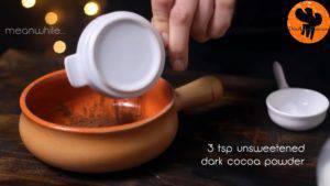 Đam Mê Ẩm Thực Cho-bột-cacao-đường-muối-4-tsp-sữa-vào-bát-và-trộn-cho-đến-khi-quyện-đều-300x169