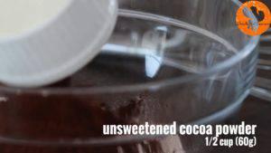 Đam Mê Ẩm Thực Cho-bột-mì-đa-dụng-bột-cacao-bột-Baking-soda-muối-bột-cà-phê-vào-bát-và-trộn-đều2-300x169