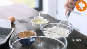 Đam Mê Ẩm Thực Cho-bột-mì-đa-dụng-muối-bột-baking-powder-vào-bát-và-trộn-đều5-300x169