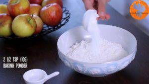 Đam Mê Ẩm Thực Cho-bột-mì-vào-bát-bột-baking-powder-muối-và-khuấy-đều-1-300x169