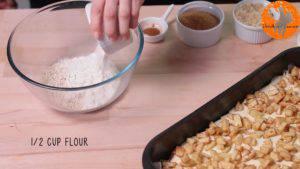 Đam Mê Ẩm Thực Cho-bột-yến-mạch-bột-mì-đa-dụng-bột-hạnh-nhân-đường-nâu-bột-quế-bơ-lạt-vào-bát.-Nghiền-và-trộn-đều2-300x169
