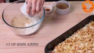 Đam Mê Ẩm Thực Cho-bột-yến-mạch-bột-mì-đa-dụng-bột-hạnh-nhân-đường-nâu-bột-quế-bơ-lạt-vào-bát.-Nghiền-và-trộn-đều3-300x169