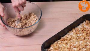 Đam Mê Ẩm Thực Cho-bột-yến-mạch-bột-mì-đa-dụng-bột-hạnh-nhân-đường-nâu-bột-quế-bơ-lạt-vào-bát.-Nghiền-và-trộn-đều8-300x169