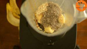 Đam Mê Ẩm Thực Cho-chuối-yến-mạch-mật-ong-chiết-suất-vani-hạt-Chia-đã-chắt-hết-nước-sữa-vào-máy-và-xay-đều-cho-đến-khi-nhuyễn6-300x169