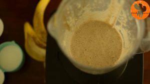 Đam Mê Ẩm Thực Cho-chuối-yến-mạch-mật-ong-chiết-suất-vani-hạt-Chia-đã-chắt-hết-nước-sữa-vào-máy-và-xay-đều-cho-đến-khi-nhuyễn9-300x169