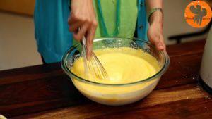 Đam Mê Ẩm Thực Cho-hỗn-hợp-ở-bước-3-vào-bát-sữa-chua-và-khuấy-đến-khi-quyện-đều-3-300x169