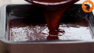 Đam Mê Ẩm Thực Cho-hỗn-hợp-Chocolate-vừa-trộn-vào-khuôn-và-trải-đều2-300x169