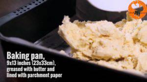 Đam Mê Ẩm Thực Cho-hỗn-hợp-vào-khuôn-đã-lót-giấy-nến.-Nén-và-trải-đều-300x169
