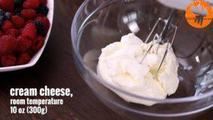 Đam Mê Ẩm Thực Cho-kem-Cheese-vào-bát-và-đánh-bông2-300x169