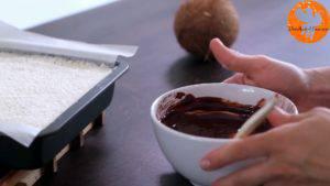 Đam Mê Ẩm Thực Cho-kem-Whipping-nóng-vào-Chocolate-và-trộn-cho-đến-khi-tan4-300x169
