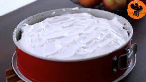 Đam Mê Ẩm Thực Cho-kem-lên-mặt-bánh.-Trải-đều-và-cho-vào-lò-nướng-thêm-20-phút-cho-đến-khi-kem-có-màu-vàng-nâu-5-300x169