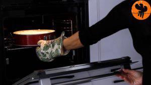 Đam Mê Ẩm Thực Cho-kem-lên-mặt-bánh.-Trải-đều-và-cho-vào-lò-nướng-thêm-20-phút-cho-đến-khi-kem-có-màu-vàng-nâu-6-300x169