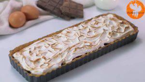 Đam Mê Ẩm Thực Cho-kem-lòng-trắng-trứng-đã-trộn-ở-bước-2-vào-khuôn-trải-đều-và-khò-nóng-kem-lòng-trắng-trứng-cho-đến-khi-kem-có-màu-vàng-nâu-6-300x169
