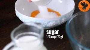 Đam Mê Ẩm Thực Cho-lòng-đỏ-trứng-đường-vào-bát-và-trộn-cho-đến-khi-quyện-đều2-300x169
