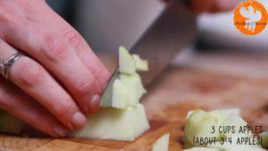 Đam Mê Ẩm Thực Gọt-vỏ-táo-và-thái-hạt-lựu2-300x169