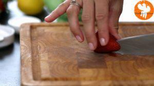 Đam Mê Ẩm Thực Loại-bỏ-cuống-quả-dây-tây.-Cắt-hạt-lựu-và-cho-vào-bát2-300x169