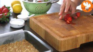 Đam Mê Ẩm Thực Loại-bỏ-cuống-quả-dây-tây.-Cắt-hạt-lựu-và-cho-vào-bát4-300x169