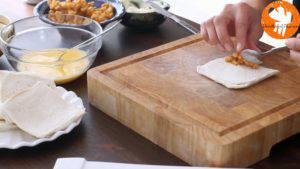 Đam Mê Ẩm Thực Phết-đều-kem-Cheese-vào-lát-bánh-mì-gối3-300x169