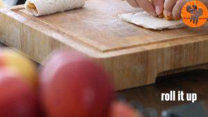 Đam Mê Ẩm Thực Phết-đều-kem-Cheese-vào-lát-bánh-mì-gối4-300x169