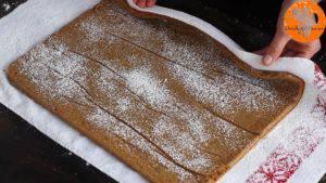 Đam Mê Ẩm Thực Rắc-thêm-đường-bột-lên-bánh-và-cuộn-tròn2-300x169