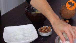 Đam Mê Ẩm Thực Sau-đó-nặn-tròn-đều-và-lăn-qua-dừa-nạo5-300x169