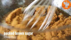 Đam Mê Ẩm Thực Sau-khi-đã-nguội-thêm-đường-nâu-vào-nước-bơ-ở-bước-1-và-khuấy-đều2-300x169