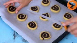 Đam Mê Ẩm Thực Sau-khi-bánh-lạnh-cắt-bánh-thành-từng-lát-kích-thước-5-300x169