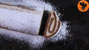 Đam Mê Ẩm Thực Sau-khi-kem-đã-đủ-độ-đông-rắc-thêm-đường-bột-lên-bánh-và-chia-thành-từng-miếng-nhỏ4-300x169