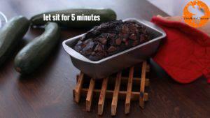 Đam Mê Ẩm Thực Sau-khi-nướng-xong-cho-khuôn-ra-rây-để-nguội-trong-5-phút2-300x169