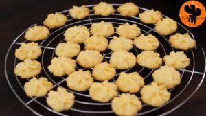 Đam Mê Ẩm Thực Sau-khi-nướng-xong-cho-khuôn-ra-và-đặt-bánh-lên-rây-để-nguội-3-300x169