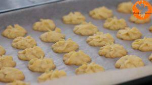 Đam Mê Ẩm Thực Sau-khi-nướng-xong-cho-khuôn-ra-và-đặt-bánh-lên-rây-để-nguội2-300x169