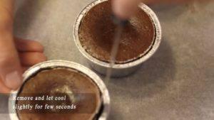 Đam Mê Ẩm Thực Tách-bánh-và-cho-ra-đĩa.-Rắc-chút-đường-bột-không-bắt-buộc-và-hoàn-thành-300x169