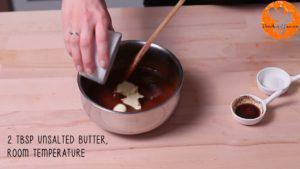 Đam Mê Ẩm Thực Tắt-bếp-thêm-bơ-muối-chiết-suất-vani-và-khuấy-cho-đến-khi-quyện-đều-300x169