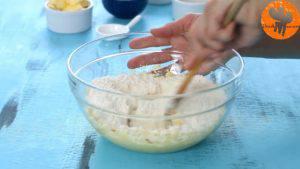Đam Mê Ẩm Thực Thêm-đường-và-đánh-đều-3-5-phút-cho-đến-khi-tơi-chiết-suất-vani-1-lòng-đỏ-trứng-muối-bột-mì-và-khuấy-đều-đến-khi-hỗn-hợp-hòa-tan.-11-300x169